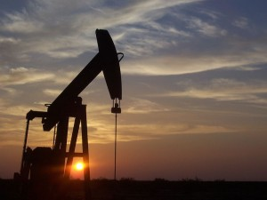 U.S. Crude oil futures regain strength on Tuesday ahead of weekly supply report